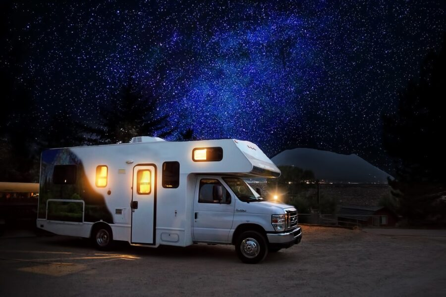 viaggi on the road in camper