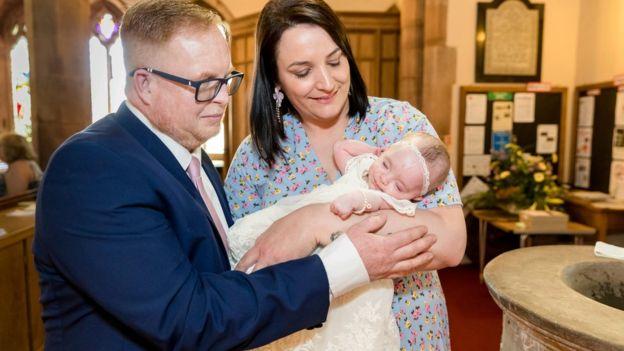 dopo-tredici-aborti-Laura-riesce-ad-avere-una-figlia 4