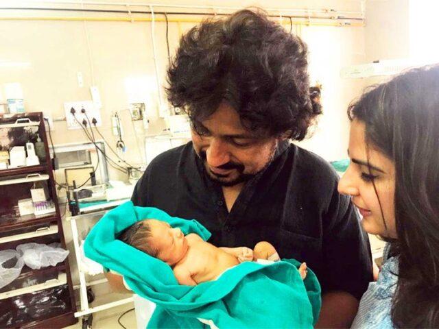 Vinod-e-sua-moglie-vogliono-adottare-la-neonata-abbandonata-in-India 1