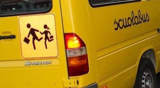 bimba-di-tre-anni-dimenticata-nello-scuola-bus 2