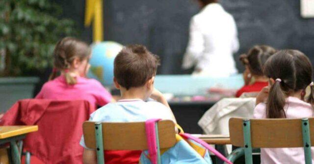 insegnante-sgrida-e-fa-piangere-i-suoi-alunni-perché-i-loro-genitori-si-sono-rifiutati-di-farle-il-regalo-di-fine-anno