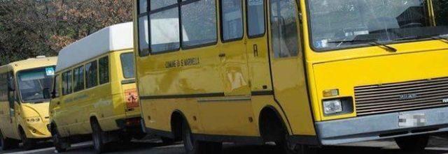 bimba-di-tre-anni-dimenticata-nello-scuola-bus 1