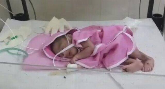 Vinod-e-sua-moglie-vogliono-adottare-la-neonata-abbandonata-in-India 3