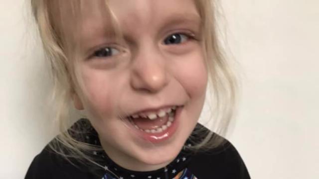 i-medici-dicevano-che-la-piccola-Logan-soffriva-di-stitichezza-acuta 1