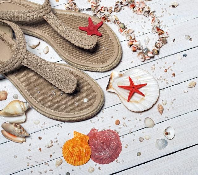 Sandali comodi ed eleganti: i modelli per quest'estate