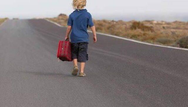 bambino-di-sei-anni-esce-di-casa-alle-cinque-del-mattino 3