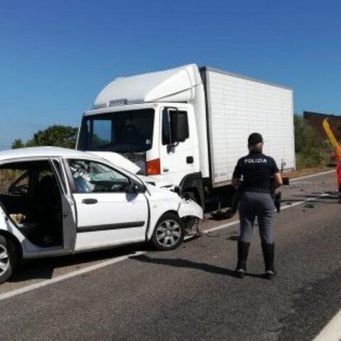 Incidente-Castelsardo-ha-perso-la-vita-un-giovane-ed-un-bambina-è-ferita-gravemente