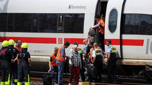 Francoforte-bambino-spinto-sotto-un-treno-ad-alta-velocità 2
