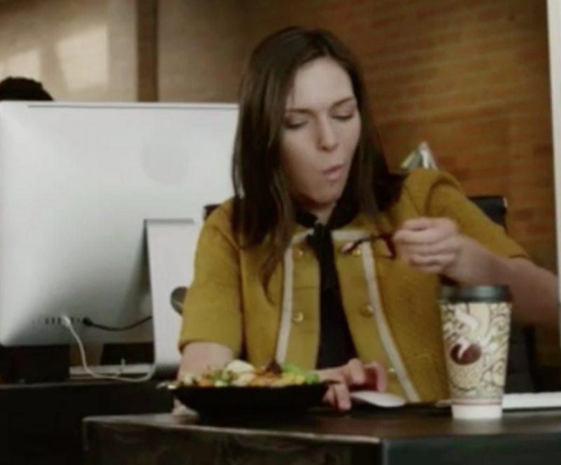 Mangiare alla scrivania