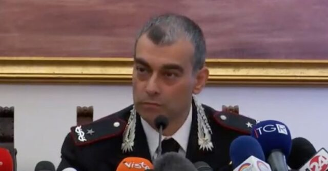 conferenza-stampa-carabiniere
