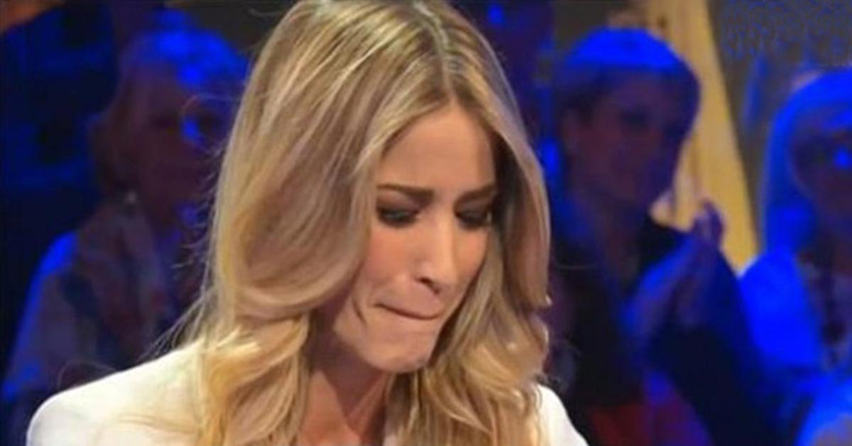 elena-santarelli-parla-suicidio