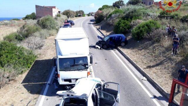 Incidente-Castelsardo-ha-perso-la-vita-un-giovane-ed-un-bambina-è-ferita-gravemente 1