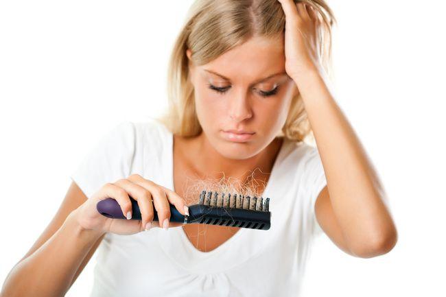 Caduta capelli dopo l'estate: cosa fare
