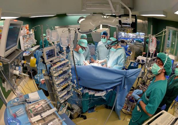 Torino-donna-sottoposta-ad-un-cesareo-con-nove-settimane-di-anticipo 1