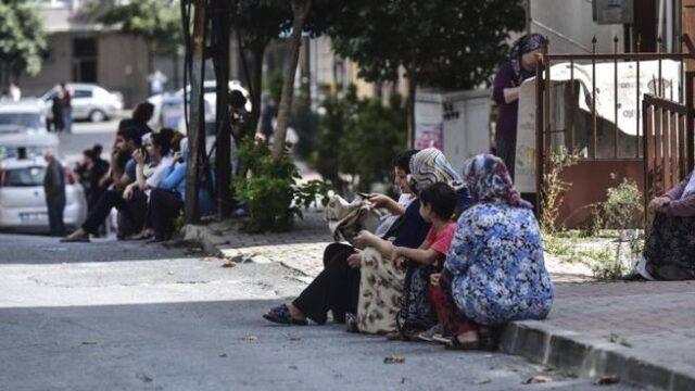 terremoto-turchia-gente-in-strada