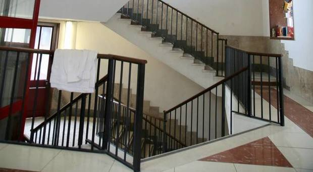 Milano-bimbo-caduto-dalle-scale-nuove-ipotesi 1