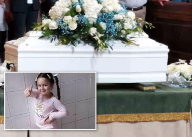 Napoli-i-funerali-della-piccola-Miriam