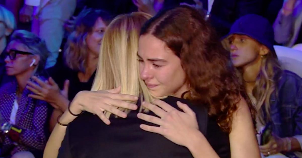 alessia-marcuzzi-abbraccia-alice-nipote-nadia-toffa