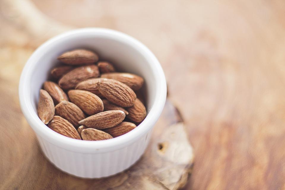 I 10 alimenti per rendere le unghie più forti