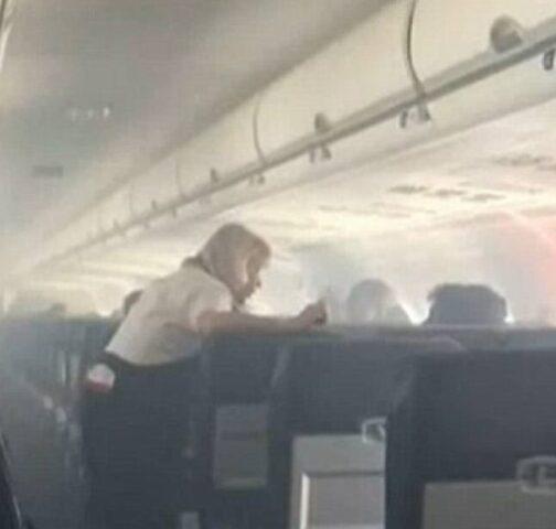 cabina-aereo-fumo