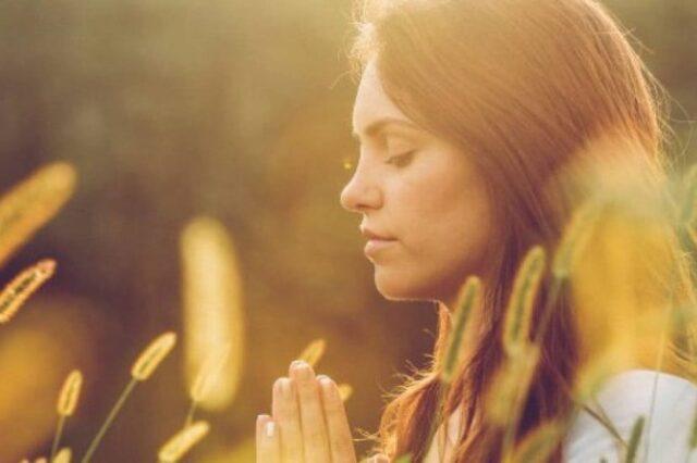 donna-medita