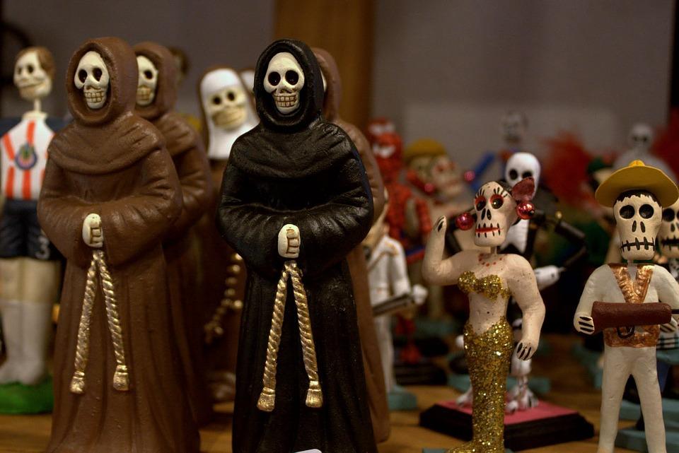 Un inno alla vita, sfilate e follie per la festa dei morti in Messico