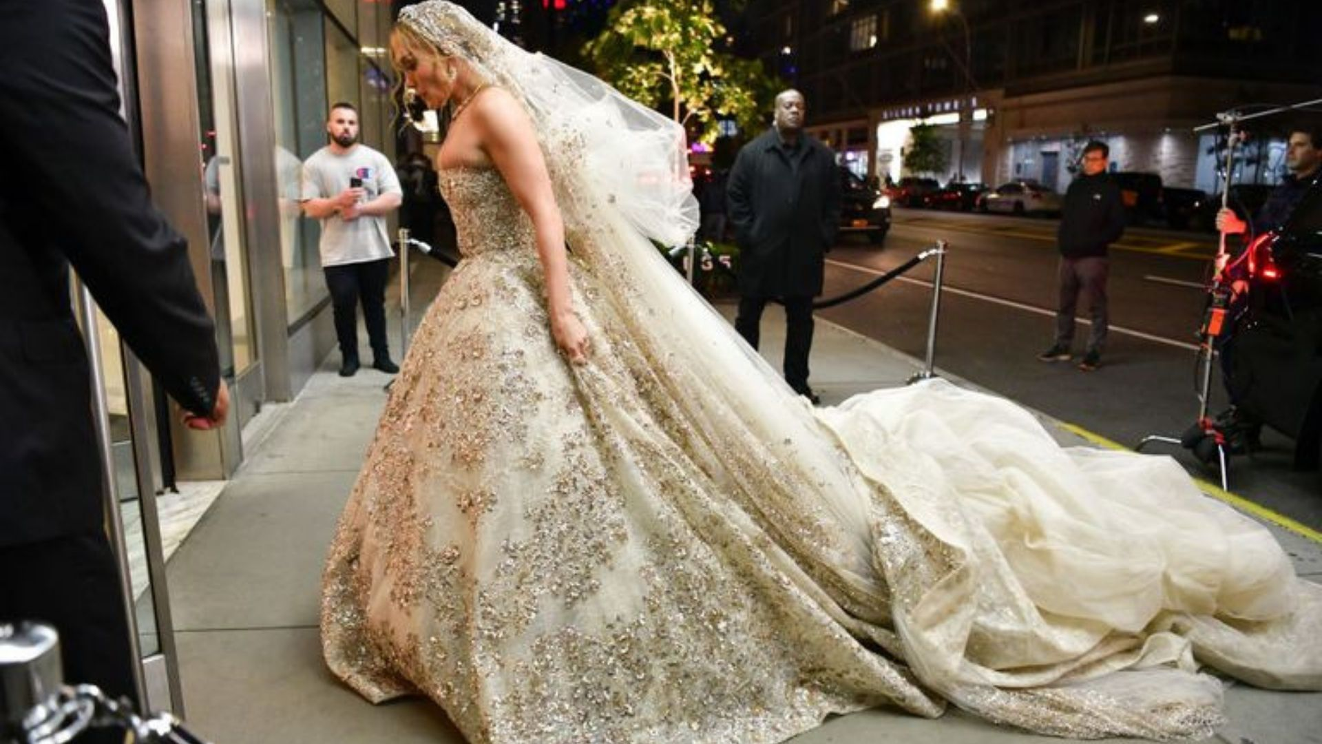 Jennifer Lopez, abito da sposa di Zuhair Murad