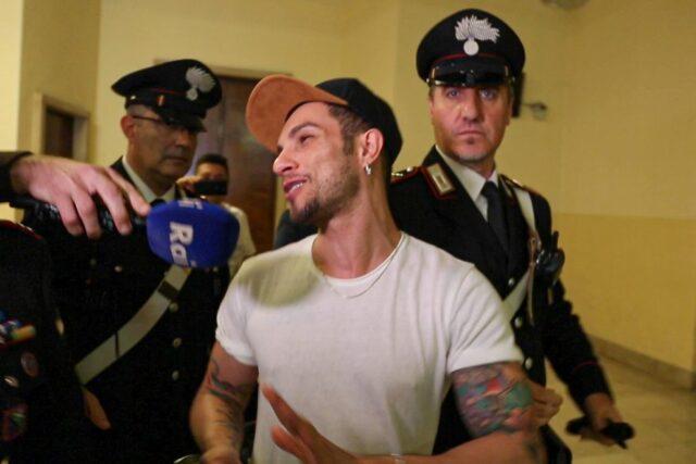 Marco Carta in tribunale a Milano