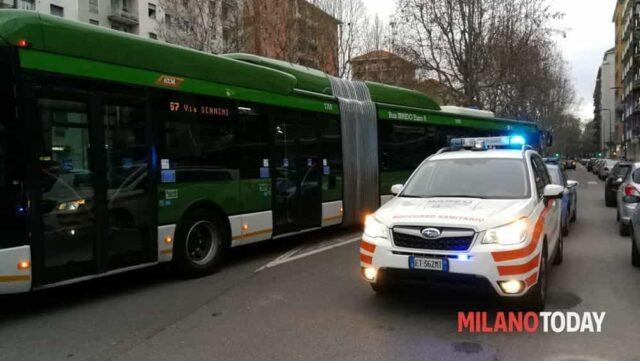 milano-autobus-ragazza-12-anni