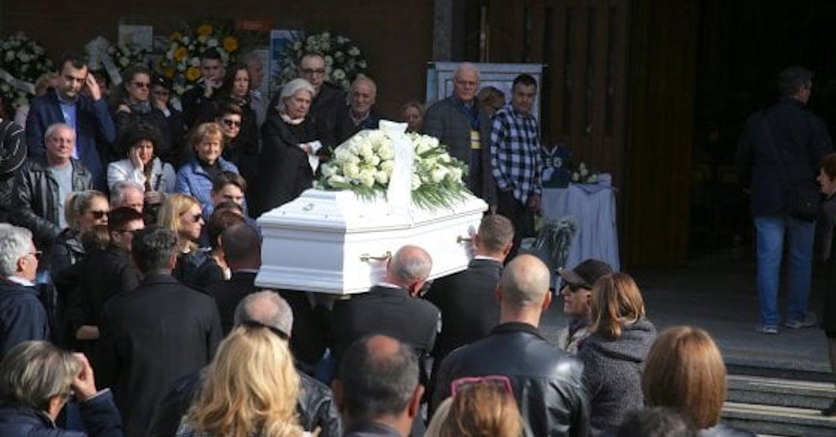 milano-scale-bimbo-funerali-