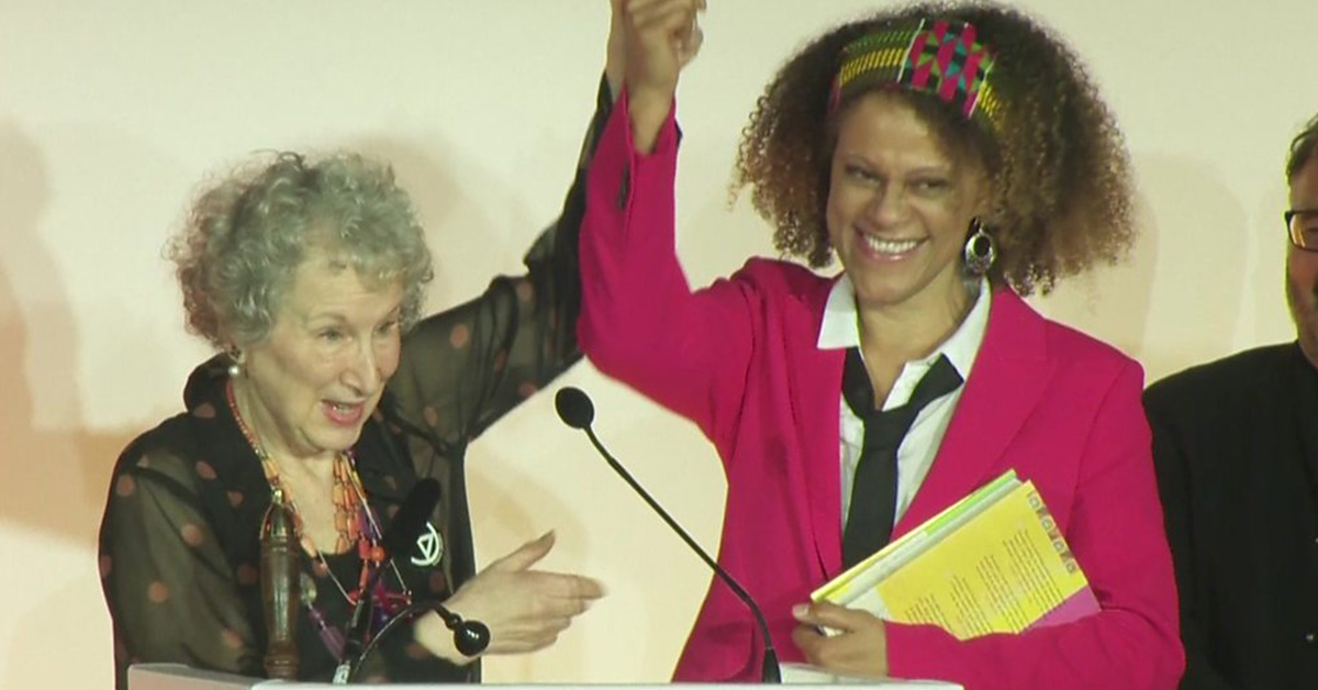 La letteratura è donna: il premio a Margaret Atwood e a Bernardine Evaristo