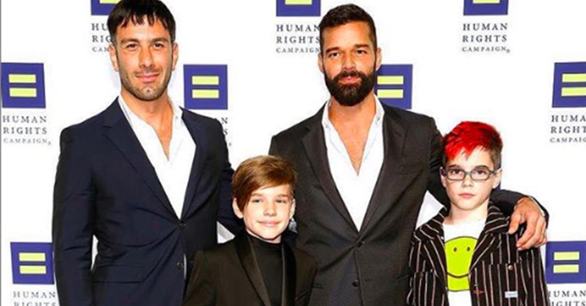 Ricky Martin e l'annuncio sul red carpet: aspetto il quarto figlio