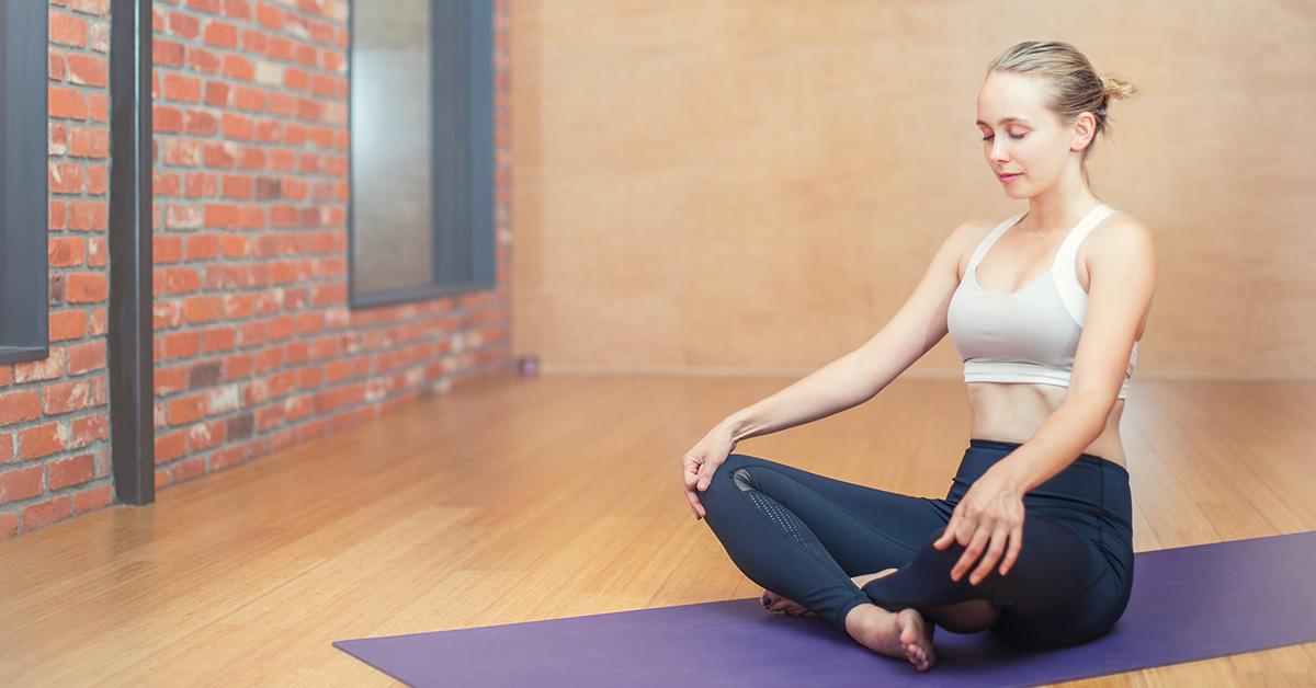 Yoga: tutti i benefici di questa pratica sulla pelle