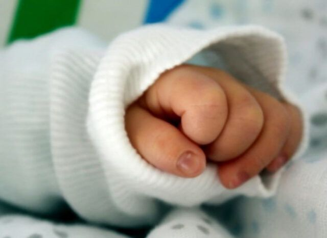 Torino-le-parole-del-medico-Silvio-Viali-per-la-gara-di-adozioni-per-il-piccolo-Giovanni 2