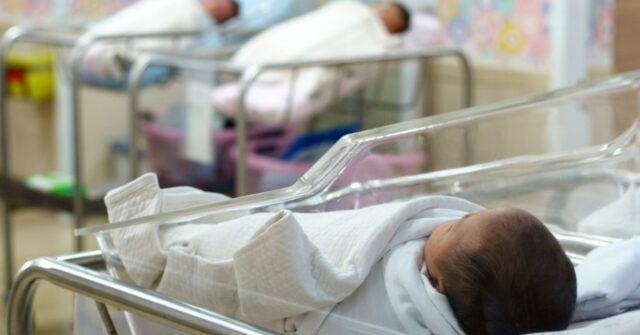 Torino-neonato-nasce-con-una-rara-malattia-ed-i-genitori-lo-abbandonano-nessuna-famiglia-vuole-adottarlo