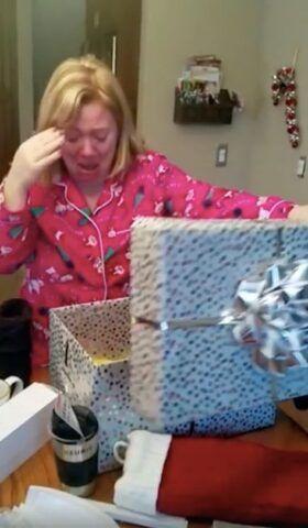 il-regalo-speciale-dell'uomo-per-sua-moglie 1