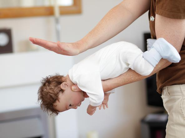 Bimba-di-due-anni-stava-per-soffocare-davanti-ai-genitori 2