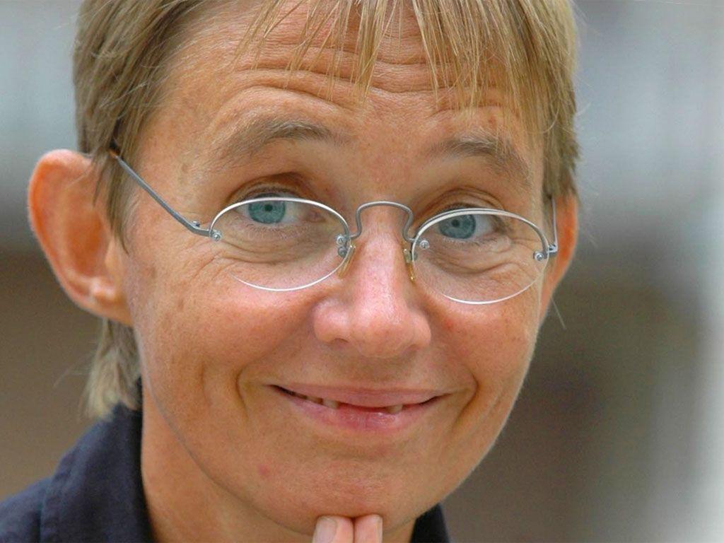Susanna Tamaro per la Sindrome di Asperger si ritira dalla v