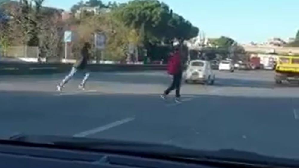 adolescenti-correndo