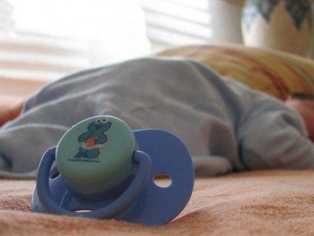 Siena-neonato-trovato-senza-vita-nella-sua-culla 2