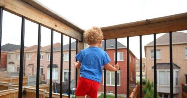 Pontecorvo-bimbo-di-3-anni-caduto-dal-balcone-e-grave