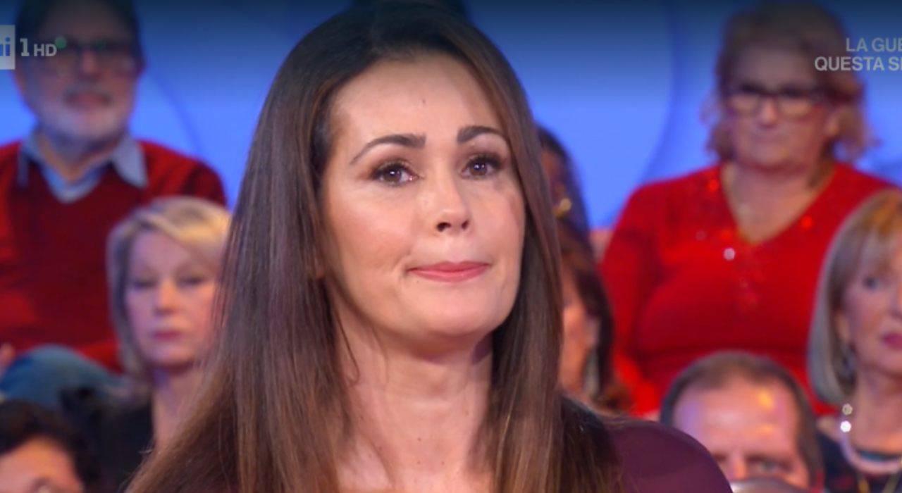 Samantha-De-Grenet-lacrime-in-diretta