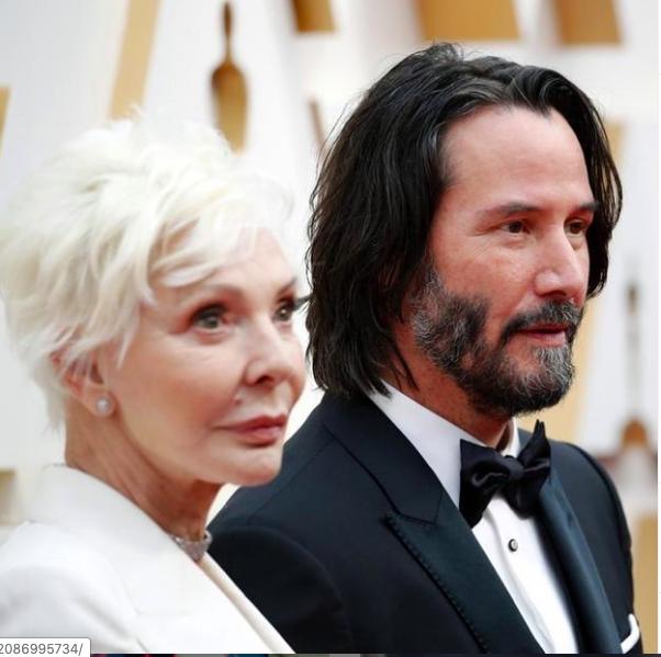 Oscar 2020: celebrities e star percorrono il red carpet con la mamma