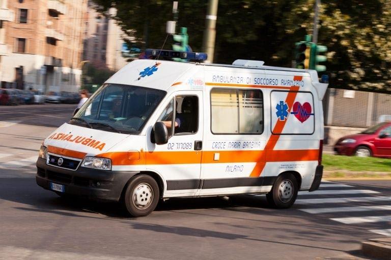ambulanza-strada
