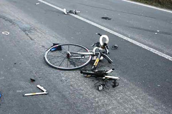 Novara, bambino di 10 anni investito da una moto, ha perso l