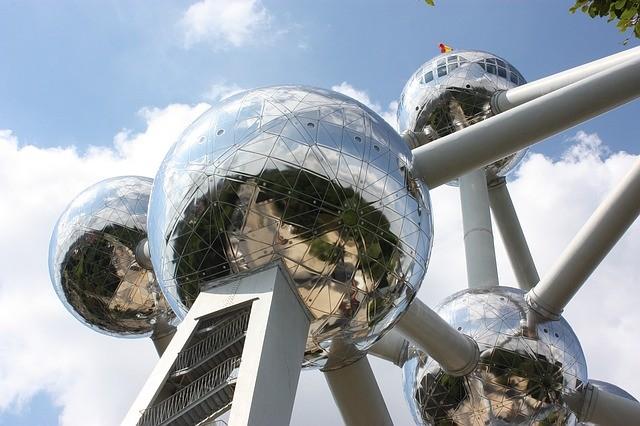 Atomium. Una realizzazione unica nella storia dell'architettura nello skyline di Bruxelles