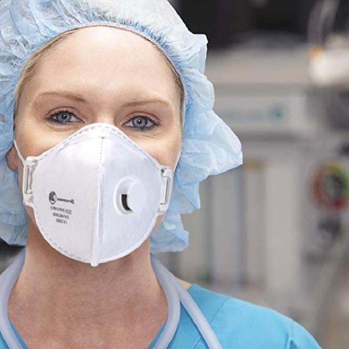 Coronavirus, mascherine e gel antibatterici a prezzi assurdi