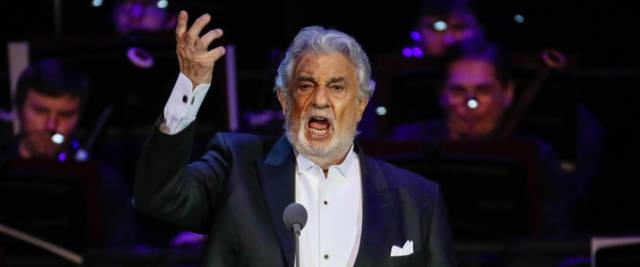 Placido Domingo si aggrava: ricovero per complicazioni da Co