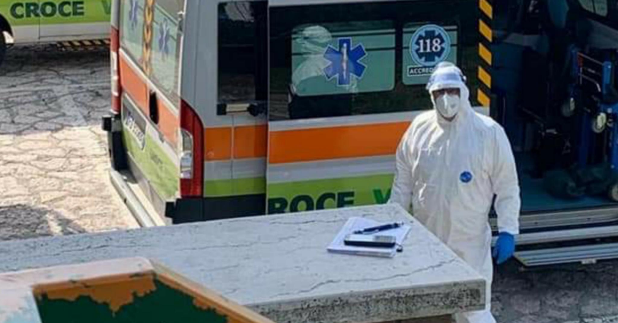 Verona, ladri rubano nell'ambulanza mentre i sanitari sono a