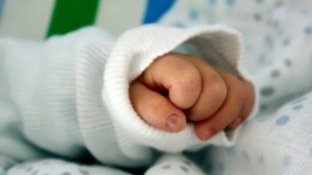 Guidonia-mamma-tenta-di-gettare-la-figlia-neonata-di-2-mesi 1